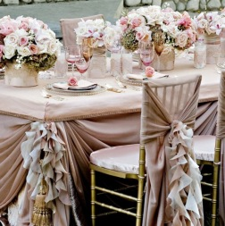 elegant-reception-linen-table-set-up